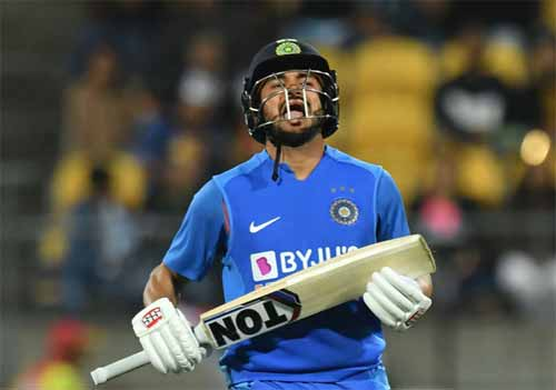 Photo of लगातार दूसरे मैच में भारत ने सुपर ओवर में न्यूजीलैंड को हराया