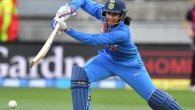 Photo of स्मृति बल्लेबाजी रैकिंग में छठे स्थान पर खिसकी, गेंदबाजों में झूलन पांचवें स्थान पर बरकरार