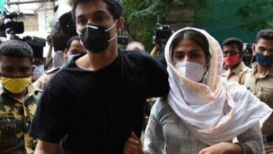 Photo of सुशांत सिंह राजपूत के लिए ड्रग्स खरीदत थे रिया और शौविक, एनसीबी की चार्जशीट में कई बड़े खुलासे