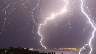 Photo of आकाशीय बिजली गिरने से एक परिवार के चार लोगों की मौत