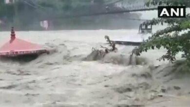 Photo of उत्तराखंड: भारी बारिश से उफाना पर गंगा-अलकनंदा, नदियों के जलस्तर बढ़ने से अलर्ट, देखें वीडियो
